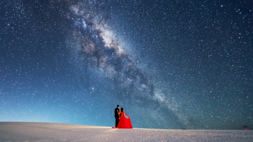 white sands engagement milkyway night